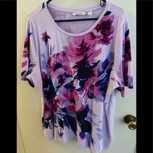 Isaac Mizrahi Short sleeved knit floral top